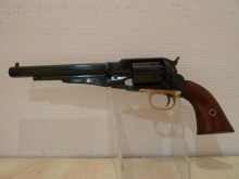 REMINGTON 1858 NEW MODEL ARMY CALIBRE 44